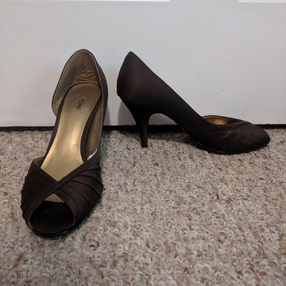 Mossimo Supply Co. Shoes - Mossimo Chocolate Brown Heels